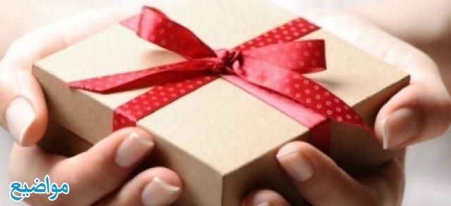 تفسير رؤية هدية الميت في المنام