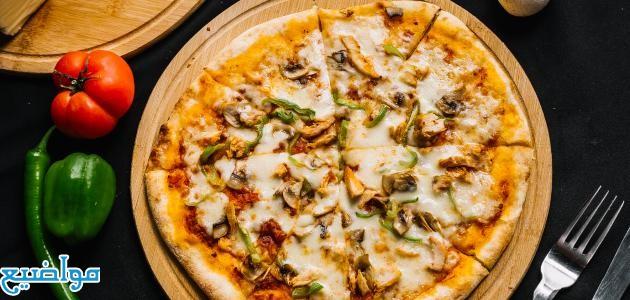 طريقة عمل بيتزا الدجاج بصوص الرانش والباربكيو