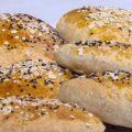 طريقة عمل خبز الزيتون والاعشاب والجبنة