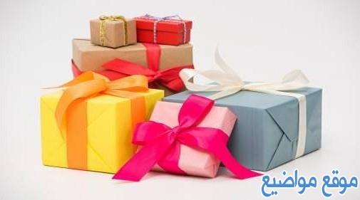 عبارات تكتب على الهدايا للحبيب والاصدقاء