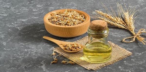 فوائد زيت جنين القمح للبشرة والوجة قبل النوم