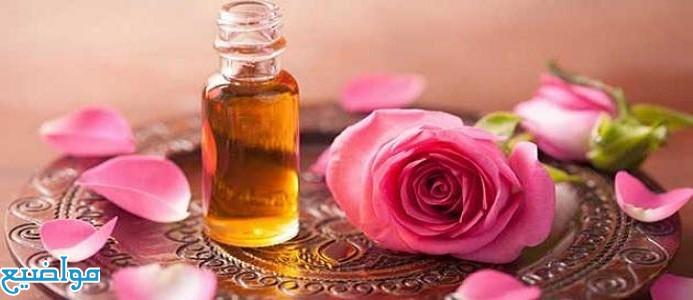 فوائد زيت الورد للبشرة والشعر وكيفية استخدامه