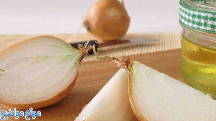 فوائد عصير البصل للشعر الخفيف المتساقط وطريقة استخدامة